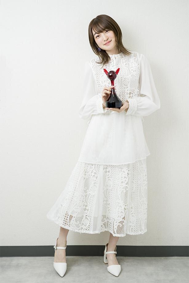 第15回「声優アワード」で、助演女優賞を受賞した上田麗奈さん