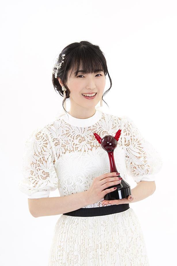 第15回「声優アワード」で、主演女優賞を受賞した石川由依さん