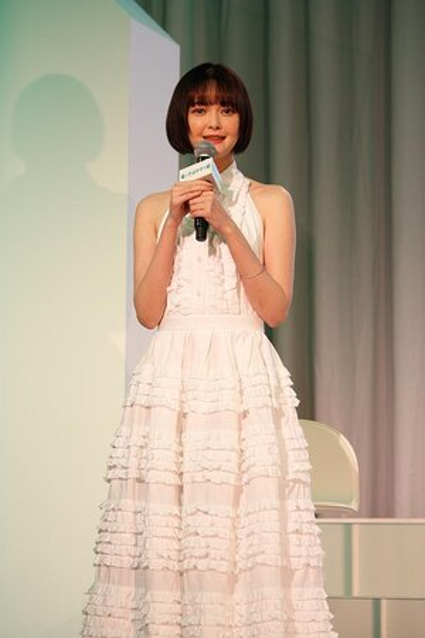 渡辺瑠果役の玉城ティナさん