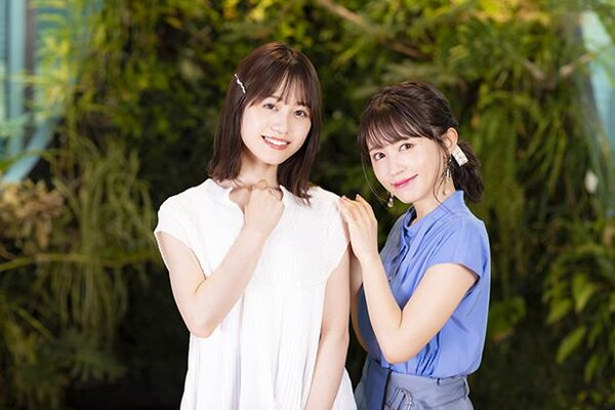 左から伊藤美来さん、逢田梨香子さん