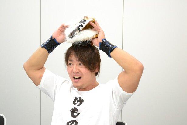 マスクの下からは現れたのは、HARASHIMA選手の端正な顔