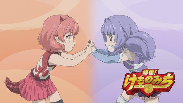 花子とイオアナのフィンガーロック。花子は余裕の表情