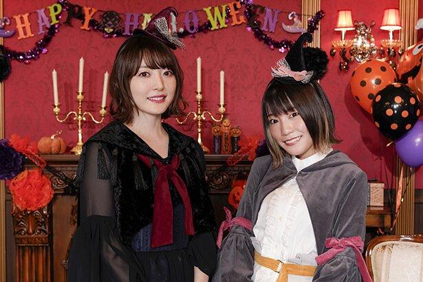 イレイナを演じる本渡楓さん(右)と、フランを演じる花澤香菜さん