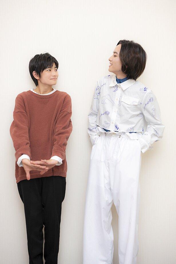 レイを演じた城桧吏さん(左)とノーマンを演じた板垣李光人さん